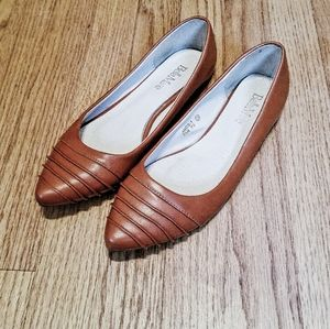 Pointed Toe Tan Flats